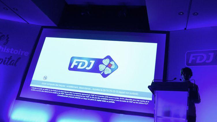 Une conférence de presse de la FDJ, à Boulogne-Billancourt(Hauts-de-Seine), le 7 novembre 2019. (ERIC PIERMONT / AFP)