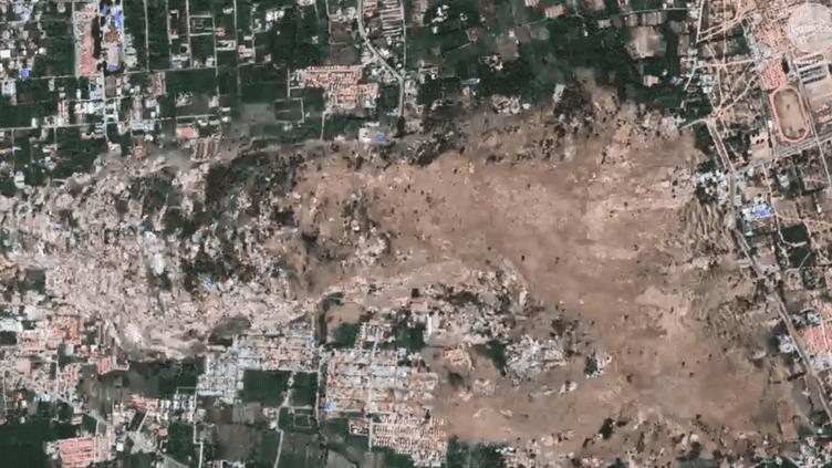 La société Digitalglobe a diffusé des images des dégâts causés par le séismeà Palu (Indonésie), le 1er octobre 2018. (DIGITALGLOBE / AP)