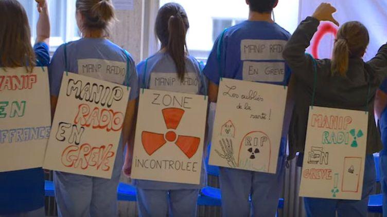"""Manipulateurs radio en grève : """"nous voulons être considérés comme des soignants"""" (Crédits Photo : Capture écran Youtube ©MG Capture )"""