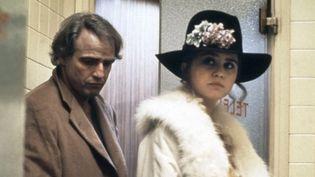 """Marlon Brando et Maria Schneider dans """"Dernier tango à Paris"""" en 1972.  (United Artists - Collection Christophell / AFP)"""