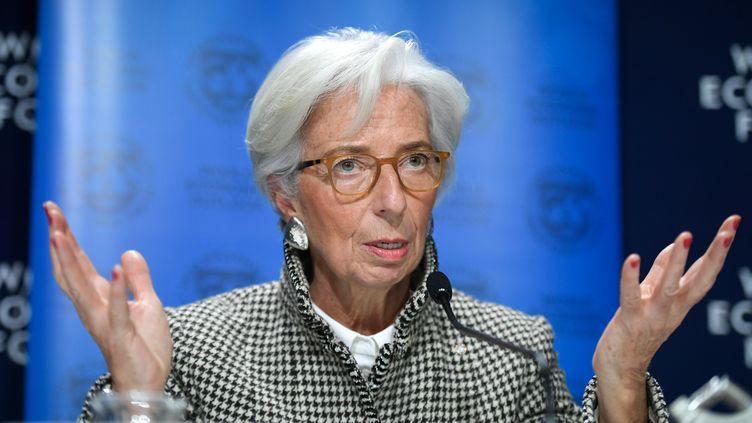 Christine Lagarde, directrice du Fonds monétaire international, au forum économique de Davos (Suisse), le 22 janvier 2018. (FABRICE COFFRINI / AFP)