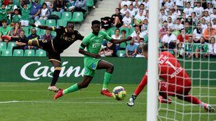 L'AS Saint-Etienne reçoit l'OGC Nice samedi 25 septembre. (JEAN-PHILIPPE KSIAZEK / AFP)