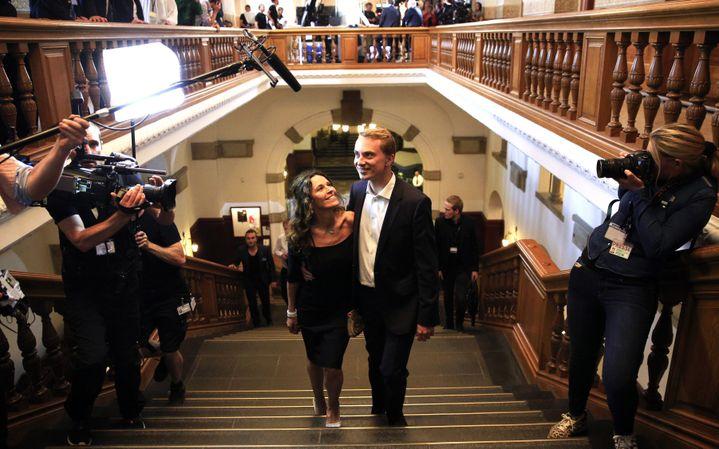 Le candidat du Parti du peuple danois, Morten Messerschmidt, savoure sa victoire à Copenhague (Danemark), le 25 mai 2014, après les élections européennes. (MAXPPP)