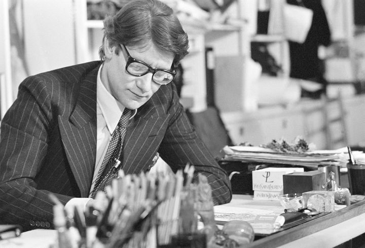 Yves Saint Laurent en 1977  (GettyImages)