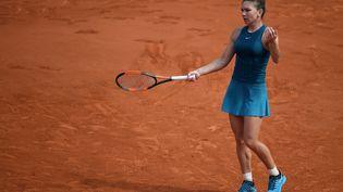 La Roumaine et numéro un mondialeSimona Halep, lors de la finale Dames de Roland-Garros contre Sloane Stephens, le 9 juin 2018. (ERIC FEFERBERG / AFP)