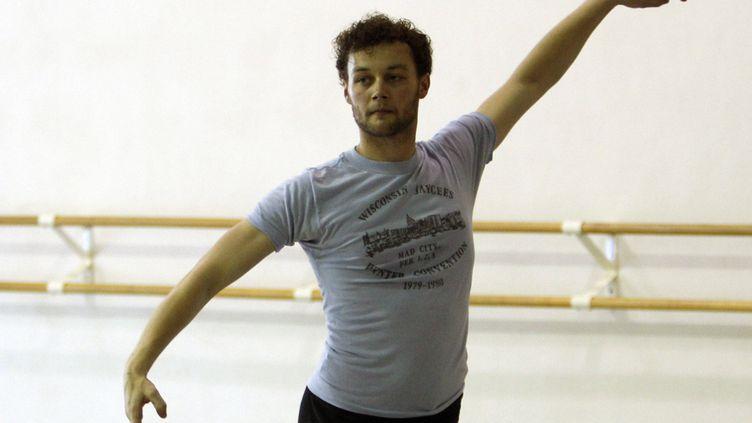 Le danseur et chorégraphe Liam Scarlett en répétition à Miami, en Floride, le 14 août 2012 (LYNNE SLADKY / AP / SIPA)