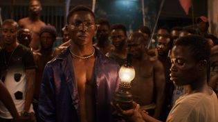 """Une scène du film """"La Nuit des rois"""" du cinéaste ivoirien Philippe Lacôte. (JHR FILMS)"""