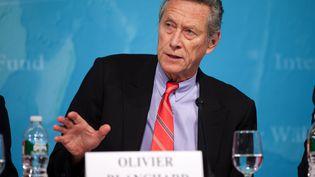 Olivier Blanchard, directeur du département de la recherche au FMI, lors d'une conférence de presse, le 24 janvier 2012, à Washington (Etats-Unis). (STEPHEN JAFFE / FMI / AFP)