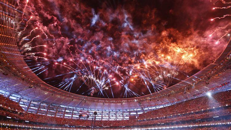Un feu d'artifice lors de la cérémonie d'ouverture des Jeux européens de Bakou, le 12 juin 2015, en Azerbaïdjan. (STOYAN NENOV / REUTERS / X01507)