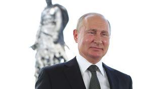 Vladimir Poutine, le président russe, lors d'une allocution télévisée, mardi 30 juin 2020. (MIKHAIL KLIMENTYEV / SPUTNIK)