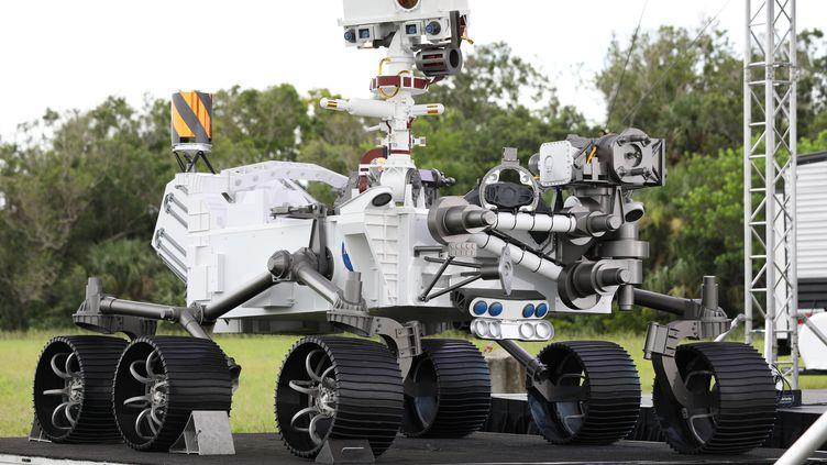 """Le robot utilisé pour la mission """"Perseverance"""" sur Mars. (GREGG NEWTON / GREGG NEWTON)"""
