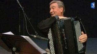 Marcel Azzola joue Piaf et Brel avec le Quatuor Inédit  (Culturebox)