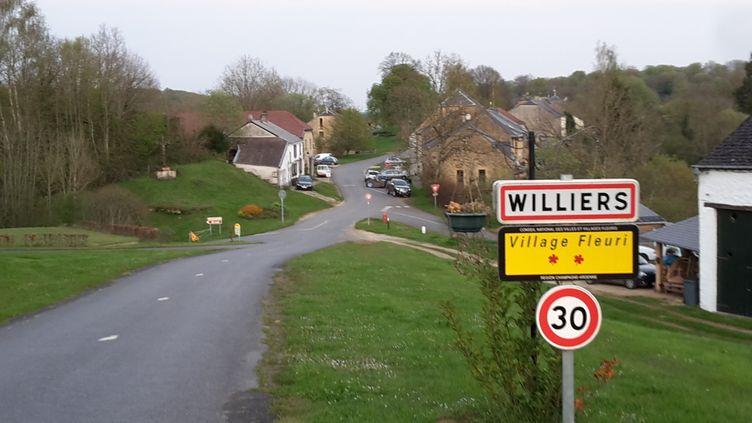 Le petit village de Williers (Ardennes), oùplusieurs habitations doivent êtremises aux enchères, le 20 mai 2016. (VINCENT MATALON / FRANCETV INFO)