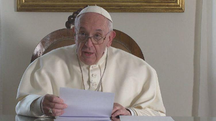 Le pape se rend samedi et dimanche au Maroc, terre musulmane prônant le dialogue interreligieux, pour une courte visite qui le verra aussi rencontrer des migrants, alliant ainsi deux grandes priorités de son pontificat. (FRANCE24)