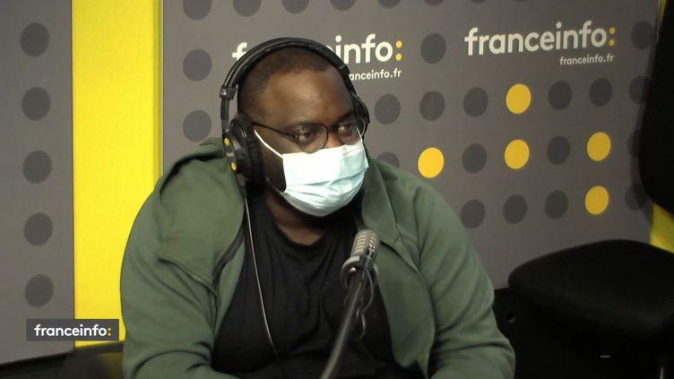 """Issa Doumbia,présentateur de """"Show Me Your Voice"""" sur M6. (FRANCEINFO / RADIO FRANCE)"""