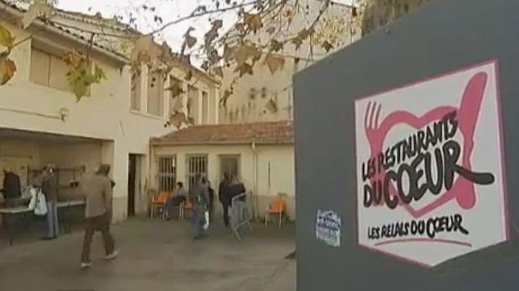 Antenne des Restos du cœur d'Antibes - 28 novembre 2011 (Vidéo : Nathalie Jourdan et Raymond Chapelard / France 2)