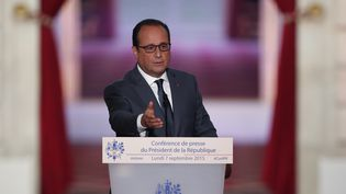 François Hollande, lundi 7 septembre 2015 lors de sa conférence de presse au palais de l'Elysée. ( CHARLES PLATIAU / REUTERS)