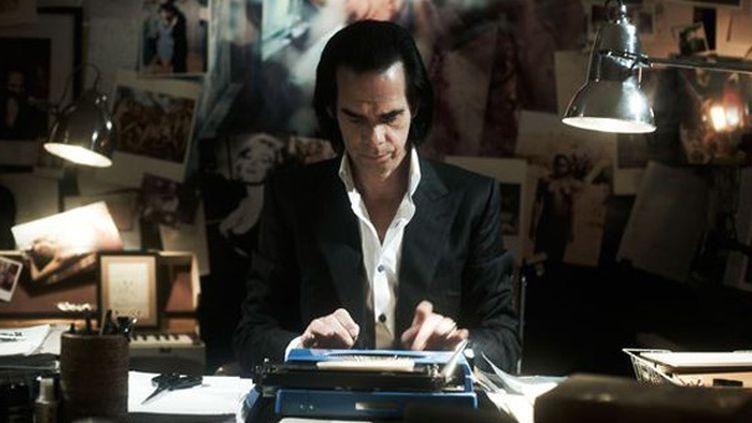 """Nick Cave à son bureau dans """"20.000 jours sur Terre"""".  (Drafthouse Films)"""