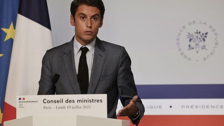 Le porte-parole du gouvernement assure que de nombreuses mesures de cybersécurité sont prises pour protéger les moyens de communication d'Emmanuel Macron. (LUDOVIC MARIN / AFP)