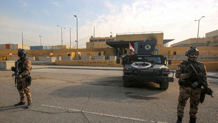 L'ambassade des Etats-Unis à Bagdad en Irak, le 2 janvier 2020. (AHMAD AL-RUBAYE / AFP)