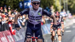 Le Suisse Mauro Schmid (Team Qhubeka-Assos) a signé un succès magistral pour la 11e étape du Tour d'Italie, mercredi 19 mai. (LUCA BETTINI / AFP)