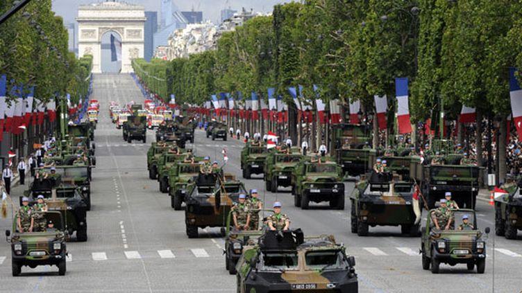 Défilé militaire traditionnel sur l'avenue des Champs-Elysées à Paris, le 14 juillet 2012. (BERTRAND GUAY / AFP)