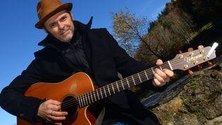 Yvan Marc chez lui en Haute-Loire, où il vit et compose.  (R.Perrin / Photopqr / Le Progrès)