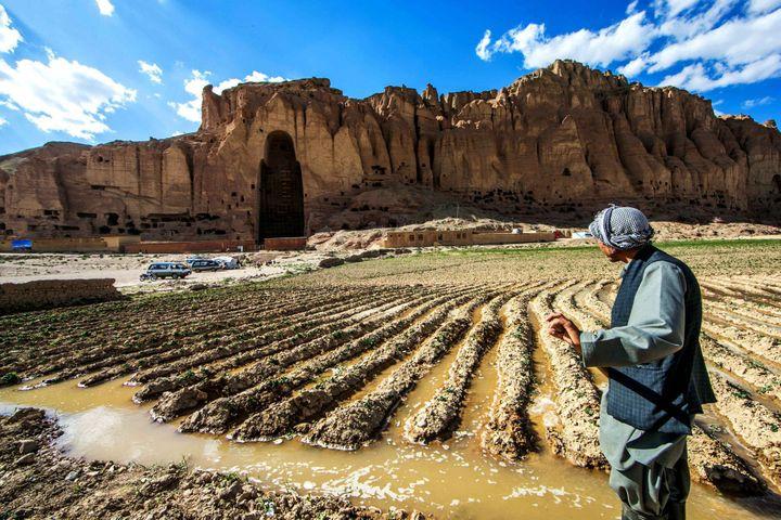 Au carrefour de l'Asie et du Moyen-Orient, l'Afghanistan a été influencé par de nombreuses religions. Les gigantesques statues de Bamiyan prouvent que le bouddhisme était présent dans le pays au premier millénaire de notre ère. Elles ont été dynamitées par les talibans en 2001. (ZHANG XINYU / NURPHOTO)