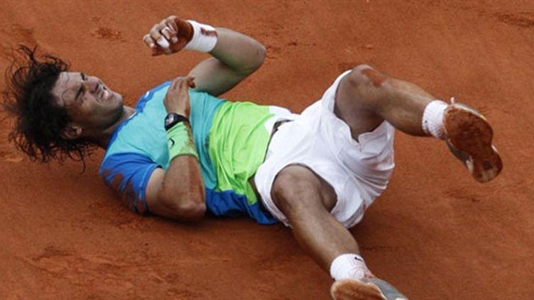 Rafaël Nadal exulte après son cinquième titre Porte d'Auteuil