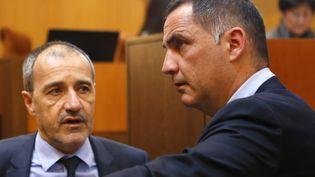 Jean-Guy Talamoni (à gauche), président de l'Assemblée de Corse, et Gilles Simeoni (à droite), président du Conseil exécutif de Corse, le 2 février 2018. (PASCAL POCHARD-CASABIANCA / AFP)