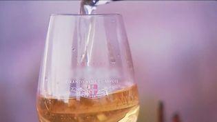 Un vin des glaces, fait à base de raisin jacquère, en Savoie. (FRANCE 3)