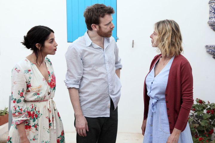 """Leïla Bekhti, Antoine Reinartz et Karin Viard dans """"Chanson douce deLucie Borleteau. (Copyright Studio Canal)"""