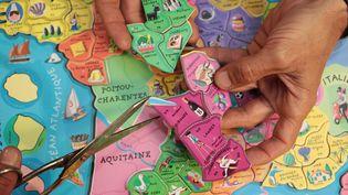 Les Français sont appelés aux urnes, les 6 et 13 décembre 2015, pour désigner leurs représentants dans 13 nouvelles régions, au lieu de 22 auparavant en métropole. (MAXPPP)