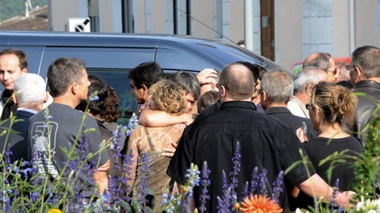 Les obsèques d'un salarié de France Télécom, le 1er octobre (© AFP/JEAN-PIERRE CLATOT)