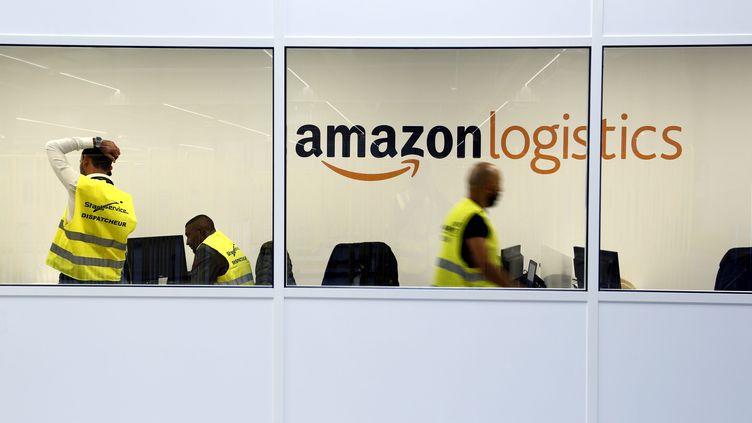 Un entrepôt d'Amazon à Bouc-Bel-Air (Bouches-du-Rhône), le 27 septembre 2017. (MAXPPP)