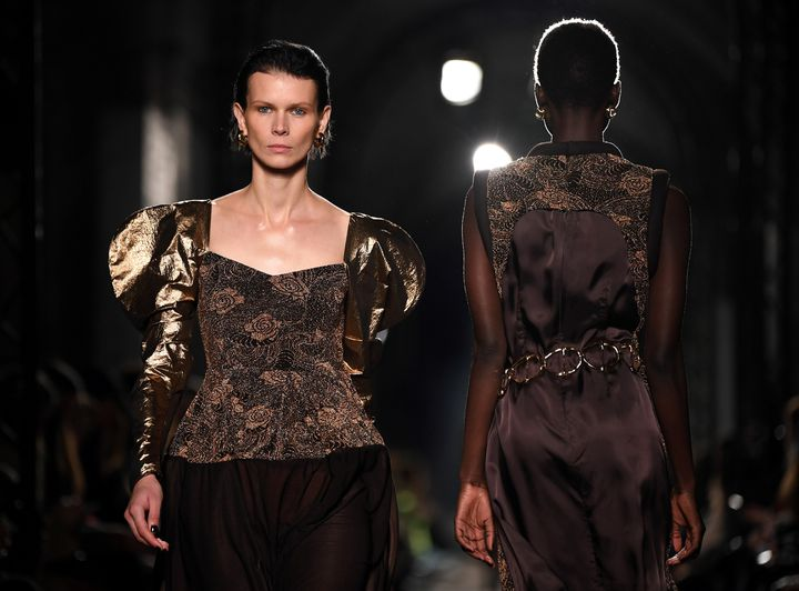 Rejina Pyo pap féminin automne-hiver 2020-21 à la London Fashion Week, le 15 février 2020 (DANIEL LEAL-OLIVAS / AFP)