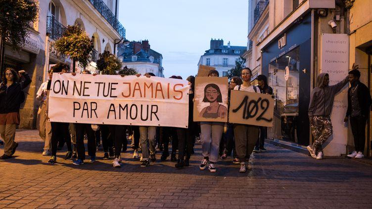 Des femmes manifestent contre les féminicides, le 6 septembre 2019 à Nantes (Loire-Atlantique). (JEREMIE LUSSEAU / HANS LUCAS / AFP)