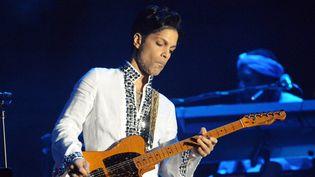 Prince sur scène à Indio, en Californie, lors du festival de Coachella, le 26 avril 2008  (Jason Moore / Zuma Press / MaxPPP)