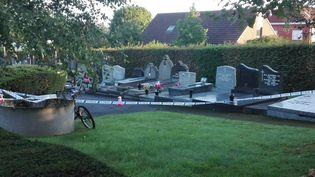 La scène de crime, au cimetière de Mouscron, en Belgique, le 12 septembre 2017. (FREDERIC DELMEIRE / BELGA MAG)