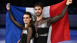 Guillaume Cizeron et sa partenaire Gabriella Papadakis, lors de leur victoireau Grand prix ISU à Turin, le 7 décembre 2019. (MARCO BERTORELLO / AFP)