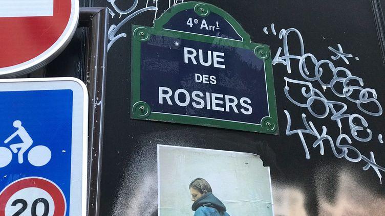 La rue des Rosiers, à Paris, le 4 juillet 2019. (JOHANNA HOELZL / DPA / AFP)