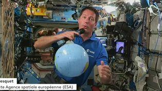 L'astronaute Thomas Pesquet, dans l'ISS, le 30 avril 2021. (FRANCEINFO)