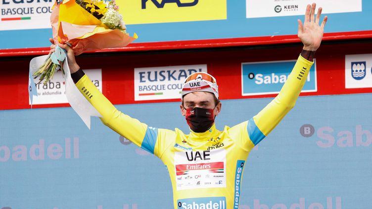 Brandon McNulty (UAE Team Emirates), leader du Tour du Pays Basque, le 8 avril 2021 (JAVIER ETXEZARRETA / EFE)