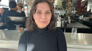 Guillemette, 20 ans, étudiante boursière et secrétaire générale de la Fédération Syndicale Etudiante de Rennes. (MANON MELLA / FRANCEINFO)