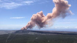 Le volcan Kilauea, à Hawaï, après son éruption le 3 mai 2018. (KEVAN KAMIBAYASHI / REUTERS)