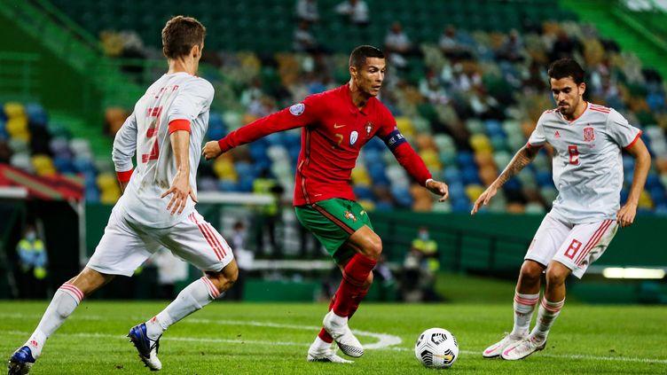 Cristiano Ronaldo n'a pas pu faire la différence face à l'Espagne (CARLOS COSTA / AFP)
