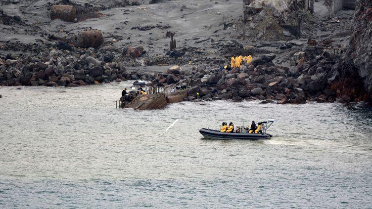 Les recherches des corps des disparus se poursuivent le 13 décembre 2019, après l'éruption du volcan de White Island, en Nouvelle-Zélande. (NEW ZEALAND DEFENCE FORCE / AFP)