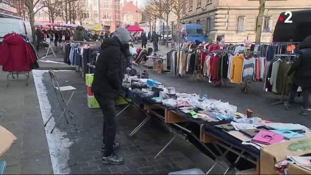 Vague de froid : les vendeurs de vêtements chauds ont la cote