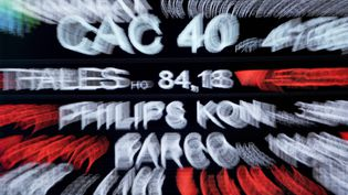 Affichage du CAC 40 sur un écrand'Euronext, le 9 mars 2020. Photo d'ilustration. (ERIC PIERMONT / AFP)