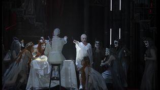 """""""Macbeth Underworld"""" enregistré au Théâtre de la Monnaie de Bruxelles le 20 septembre 2019. (MATTHIAS BAUS - LA MONNAIE)"""